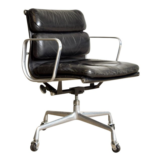 Original Eames for Herman Miller Aluminum Group Soft Pad Management Office Chair with Arms For Sale