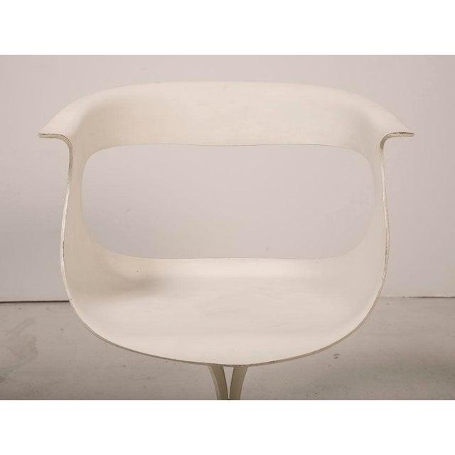 "Fiberglass Erwine & Estelle Laverne Mod ""Lotus"" Armchair For Sale - Image 7 of 7"