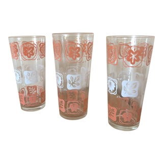 Mid-Century Vintage Pink and White Leaf Motif Glasses - Set of 3 For Sale