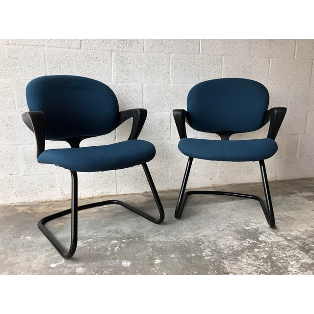 Vintage 1990s Herman Miller Avian Sled Base Side Chairs (A Pair) For Sale - Image 12 of 13