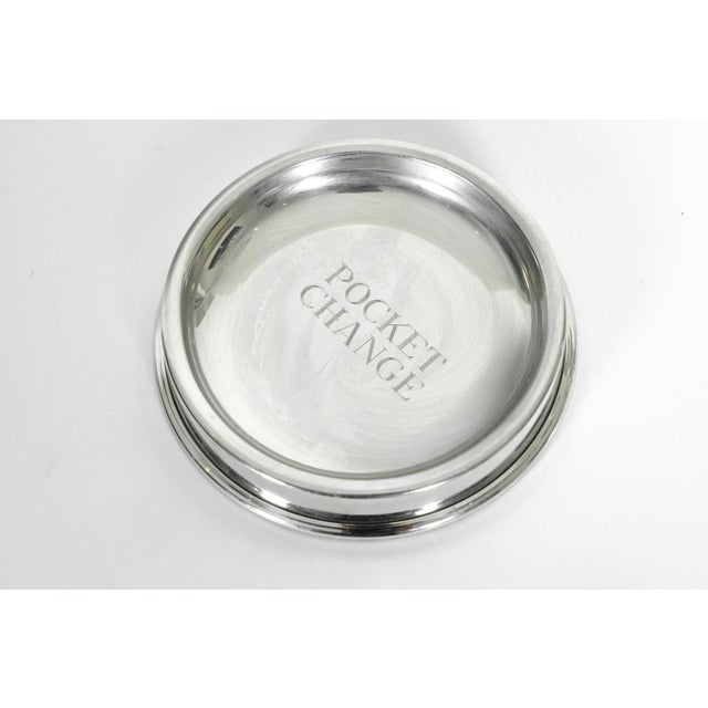 Vintage English silver plated round shape pocket change tray. In excellent condition. This tray can also be used as an...