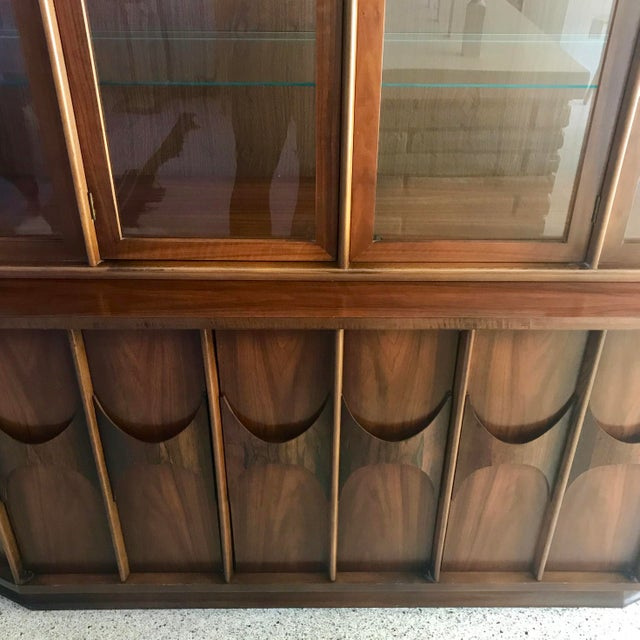 Vintage mid-century modern Kent Coffey Perspecta credenza and hutch/ china cabinet. The credenza is a walnut veneer over...
