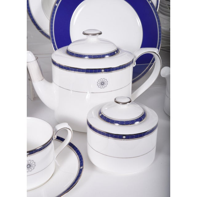 Wedgwood English Porcelain Dinnerware Service for Ten People - 83 Piece Set For Sale In New York - Image 6 of 13