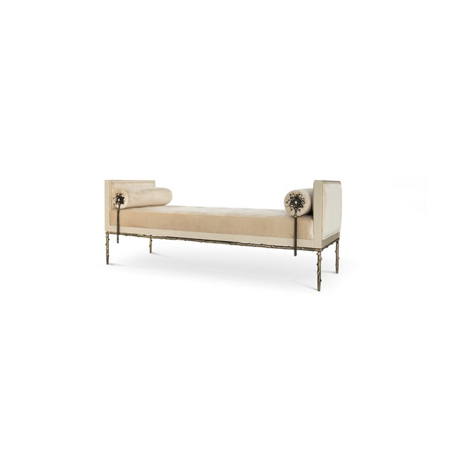 Not exactly flirtatious, but certainly not sweet, the Privê Day Bed guarantees sensuous drama. Exquisite fora inspired...