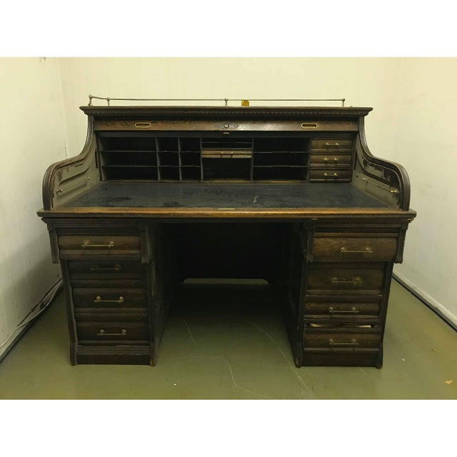 Vintage Traditional Roll Top Writing Table/Secretary Desk For Sale In New York - Image 6 of 7