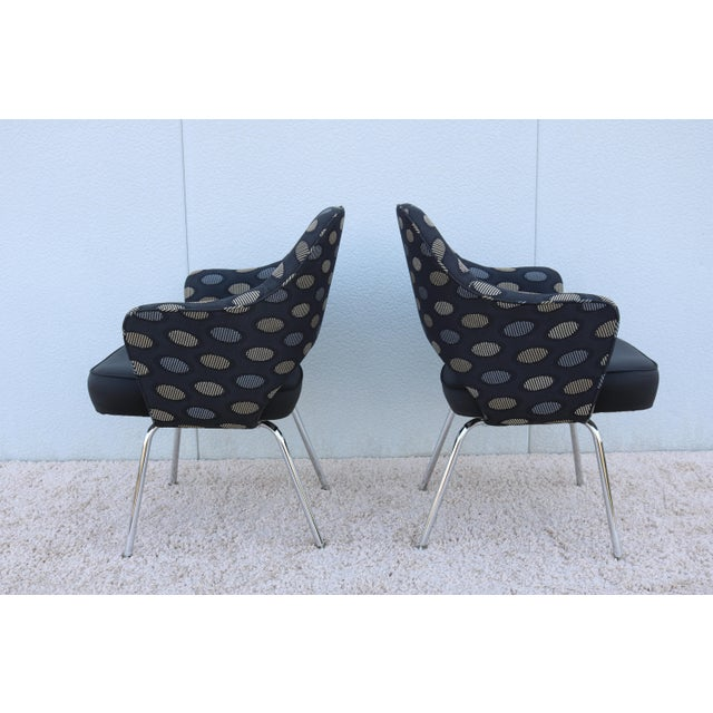 2000 - 2009 1950sMid-Century Modern Knoll Eero Saarinen Executive Arm Chairs - a Pair For Sale - Image 5 of 13