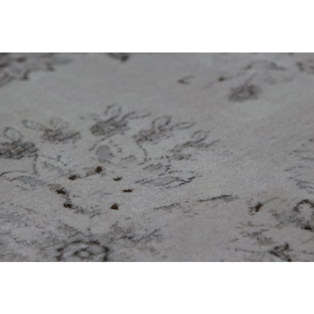 Transitional Distressed Gray Rug - 5'3'' x 7'7'' - Image 8 of 8