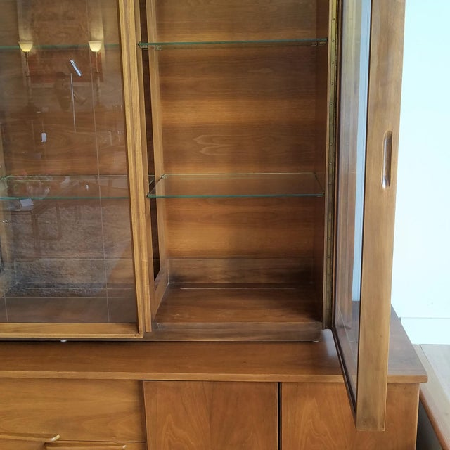 Vintage Mid-Century Modern Display Cabinet With Bi-Fold Doors For Sale - Image 11 of 13