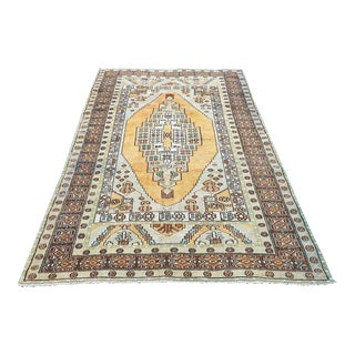 1960s Vintage Turkish Hand-Knotted Oushak Rug- 4′10″ × 8′8″ For Sale