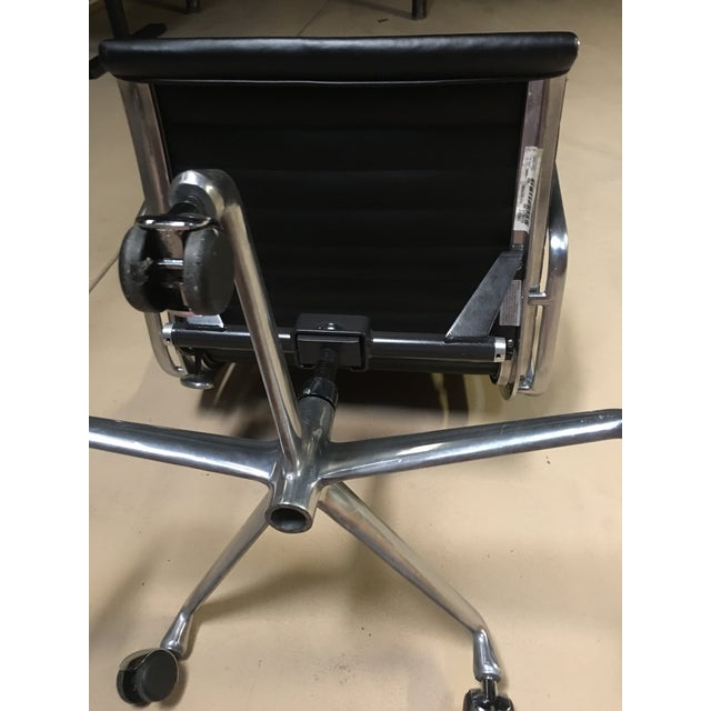 Eames Management Aluminum Chair For Sale In San Diego - Image 6 of 11