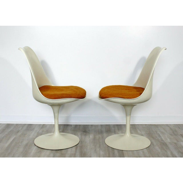White Mid Century Modern Eero Saarinen for Knoll Set 5 Tulip Side Dining Chairs 1960s For Sale - Image 8 of 10