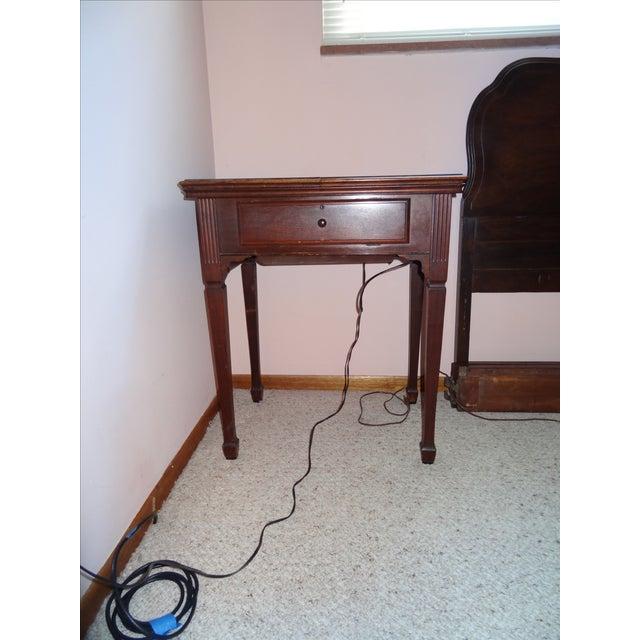 Antique Singer Sewing Machine - Image 4 of 4