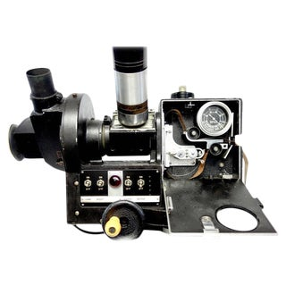 Akeley US Army 35mm Cinema Tracking Camera As Sculpture Circa Mid 20th For Sale