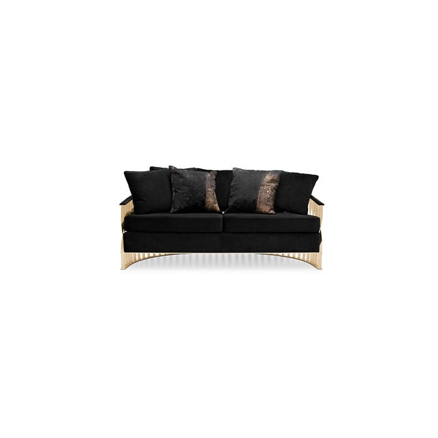 This fluid and unusual sofa transcends design and jewelry. Conceived from a cuff bracelet, the Mandy sofa will embellish...