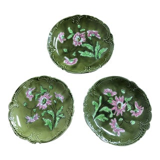 Vintage German Majolica Plates With Green and Pink Flowers - Set of 3 For Sale