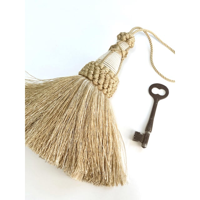 """French Country Champagne and White Key Tassels With Cut Ruche Trim - Tassel Height 5.75"""" For Sale - Image 3 of 11"""