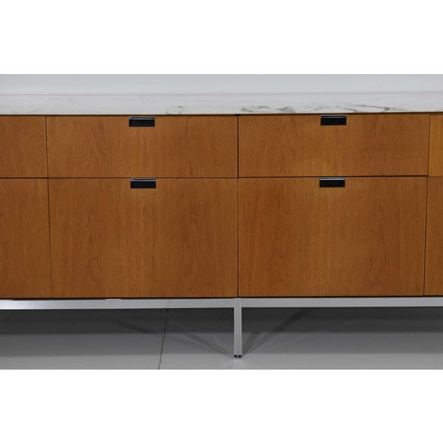 1960s Florence Knoll Credenza in White Oak and Calacutta Marble For Sale - Image 5 of 10