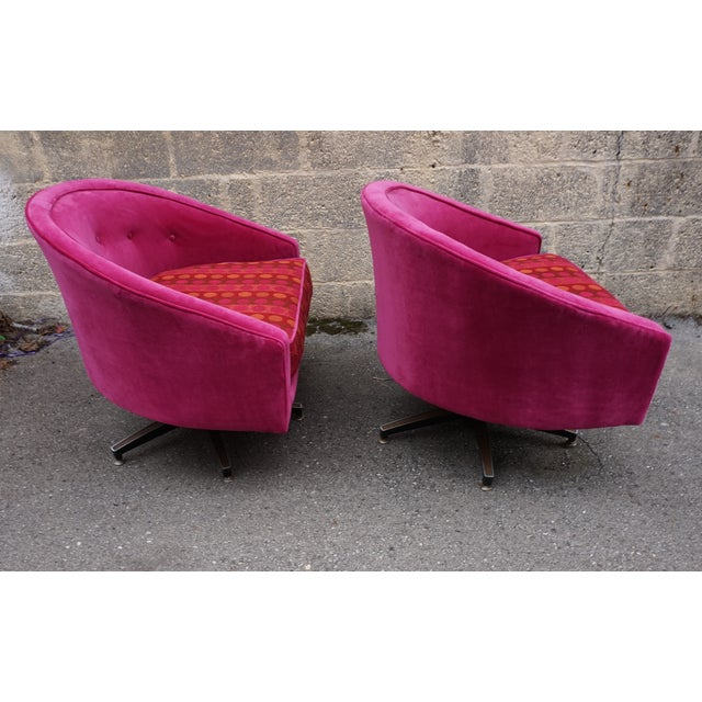 Ward Bennett Style Magenta Swivel Chairs - A Pair - Image 9 of 9