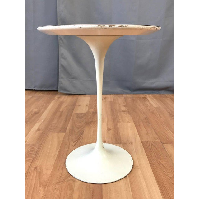 1950s Early Eero Saarinen for Knoll Pedestal Collection Oval Side Table For Sale - Image 5 of 12