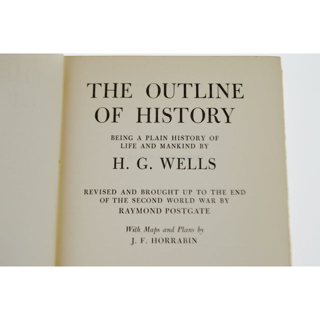 Vintage 1956 The Outline of History H.G. Wells Vol. II Illustrated Book Hardcover with Original Dust Jacket For Sale - Image 4 of 8
