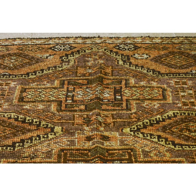 Vintage Turkish Oushak hand knotted rug with natural colors and geometric pattern. Made in the 1930s