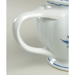Blue Danube (Japan) Blue Danube Teapot & Lid Preview