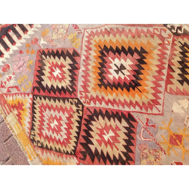 "Vintage Turkish Kilim Rug - 5'5"" X 9'11"" - Image 5 of 6"