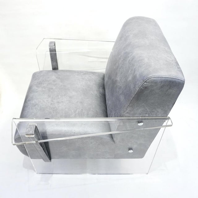 Contemporary Bespoke Modernist Lucite Acrylic Lounge Armchair - in Showroom For Sale - Image 3 of 12
