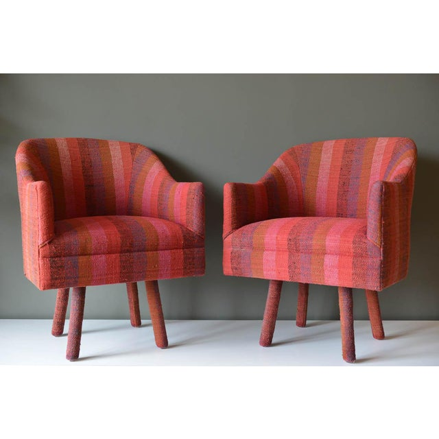 Pink Pair of Swivel Armchairs With Vintage Jack Lenor Larsen Fabric, Circa 1970 For Sale - Image 8 of 8