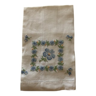 Vintage Linen Blue and Green Hand Embroidered Guest Towel For Sale