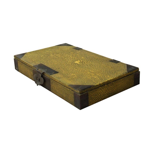 Asian Vintage Chinese Yellow Rectangular Box For Sale - Image 3 of 5