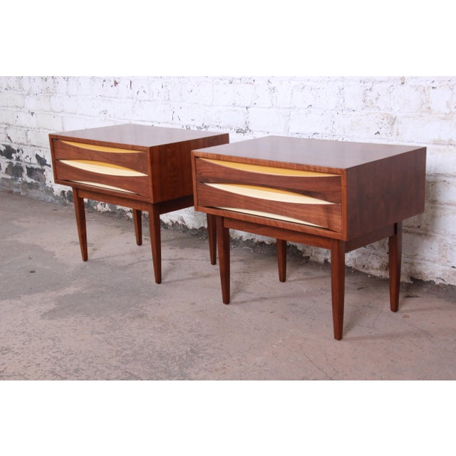 West Michigan Furniture Co. Mid-Century Modern Walnut Nightstands by West Michigan Furniture Co. - a Pair For Sale - Image 4 of 11
