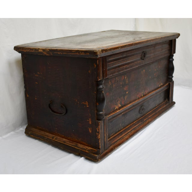 Painted Pine and Oak Trunk or Blanket Chest in Original Paint For Sale - Image 4 of 13