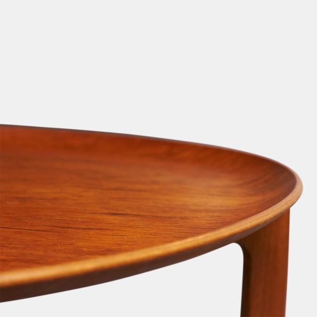 Fritz Hansen Svend Aage-Williamson & H. Engholm tray tables for Fritz Hansen - a pair For Sale - Image 4 of 5