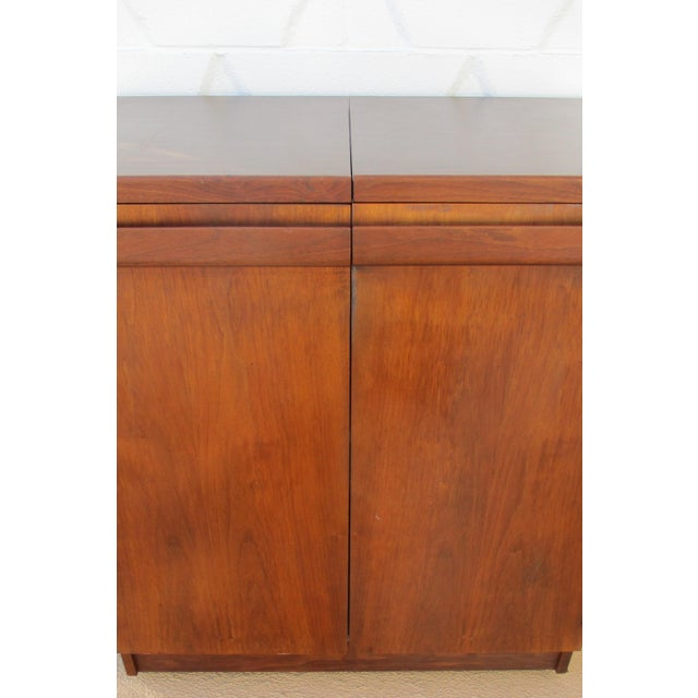 Mid Century Modern Brown Saltman Rolling Bar Cart Cabinet Server Dry Bar - Image 10 of 11