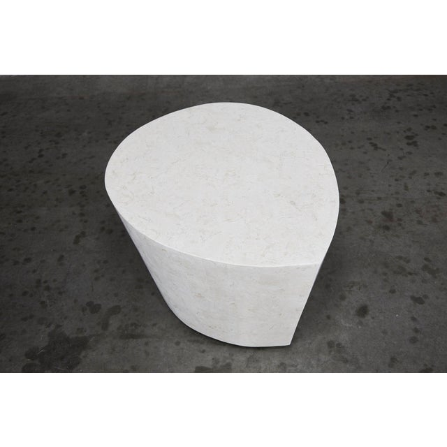 """1990s 1990s Contemporary White Freeform Tessellated Stone """"Hampton"""" Side Table For Sale - Image 5 of 13"""
