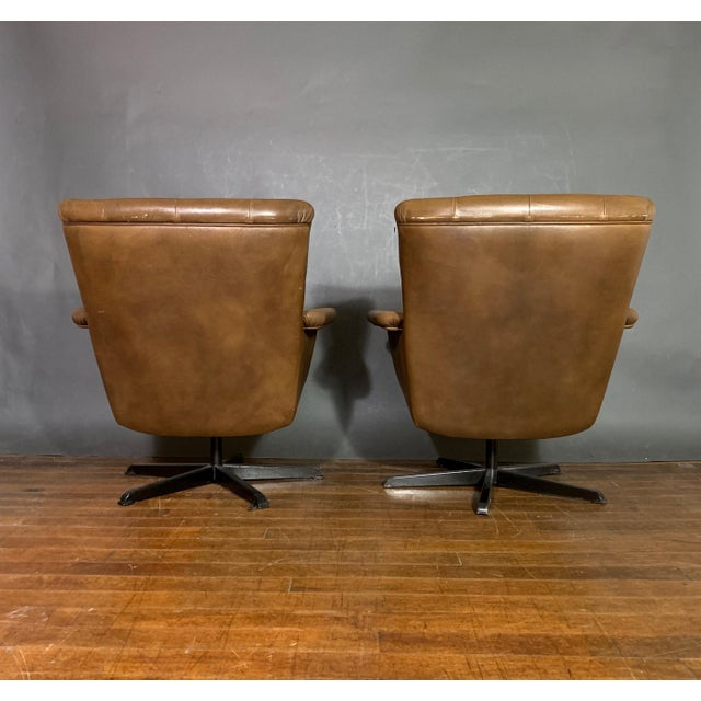 1960s Pair Scandinavian Deep-Buttoned Leather Swivel Chairs, 1970s For Sale - Image 5 of 11