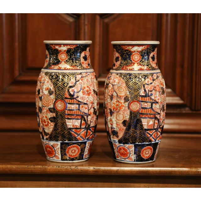 Pair of 19th Century Chinese Porcelain Imari Vases With Floral Decor For Sale - Image 4 of 9