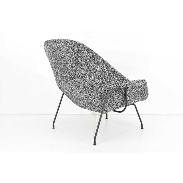 Eero Saarinen for Knoll Womb Chair and Ottoman For Sale - Image 11 of 12