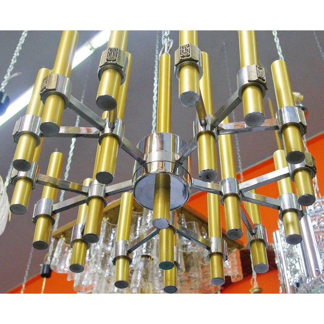Mid 20th Century Brass and Chrome Tubes Chandelier by Sciolari For Sale - Image 5 of 7