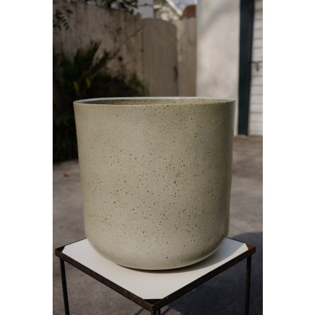 Contemporary 1960s Vintage Malcolm Leland Architectural Cylinder Planters- a Pair For Sale - Image 3 of 8