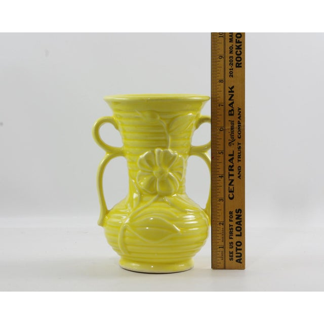 1950s 1950s Shawnee Pottery Yellow Vase With Handles For Sale - Image 5 of 9