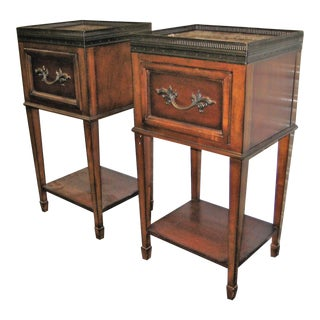 Traditional Drexel Heritage Marble Top Night Stands - a Pair For Sale