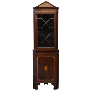 19th Century English Traditional Mahogany Corner Cupboard For Sale