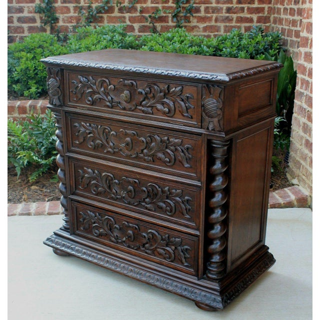 Antique French Oak Mid-19th Century Renaissance Revival Barley Twist 3-Drawer Chest Entry Commode Cabinet For Sale - Image 11 of 13