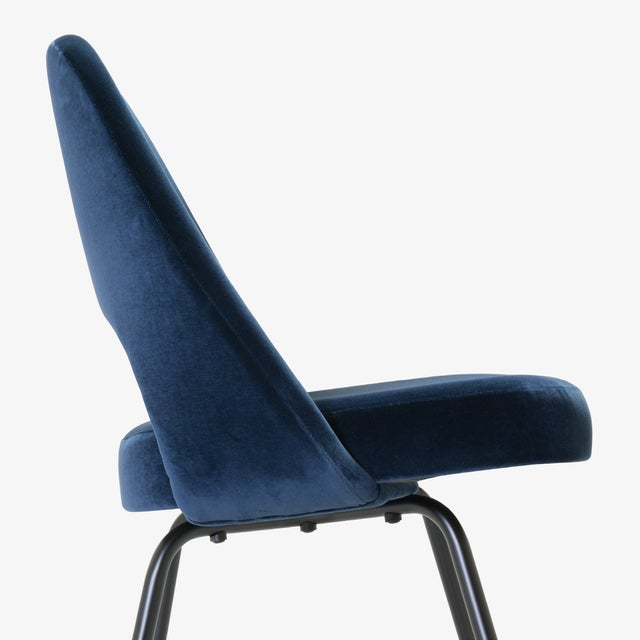 Saarinen Executive Armless Chairs in Navy Velvet, Obsidian Matte - Set of 6 For Sale - Image 9 of 13