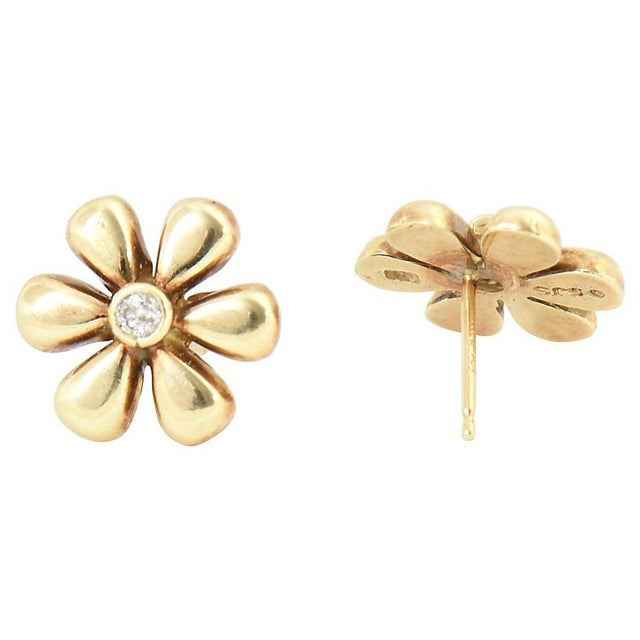 1990s Vintage Diamond & Gold Daisy Flower Earrings- A Pair For Sale In Miami - Image 6 of 8