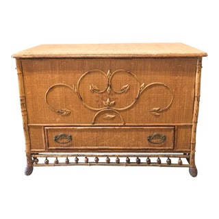 1980s English Traditional Bamboo & Woven Covered Trunk For Sale