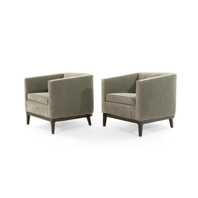 Pair of tub chairs original from the 1950s in the style of Jens Risom. Low profile super comfortable set. Newly...