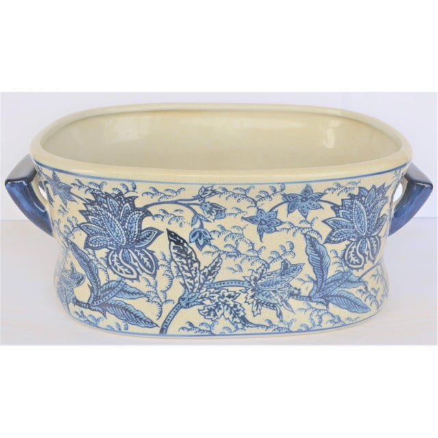 Chinoiserie Vintage Large Floral Chinoiserie Blue & White Foot Bath For Sale - Image 3 of 5